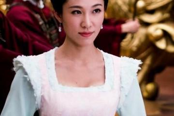 女星闪嫁大25岁百亿巨贾一张庆生照走漏她的豪门贵妇日子