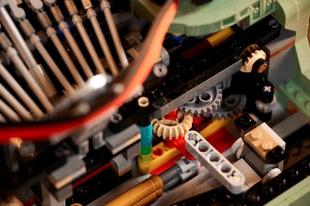 全新乐高®IDEAS打字机上市,敲敲敲有趣!